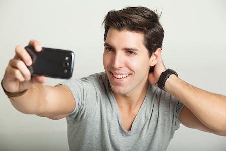 自撮り男性