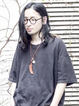 黒髪ロングパーマ