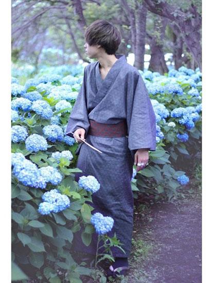 グレー小紋浴衣×エンジ小紋帯