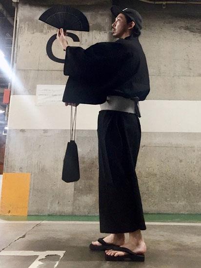 黒浴衣×グレー帯
