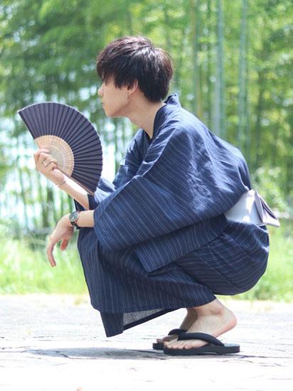 紺ストライプ浴衣×グレー帯