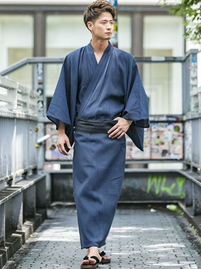 藍色浴衣×紺帯