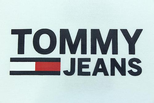 Tommy JEANS ロゴ
