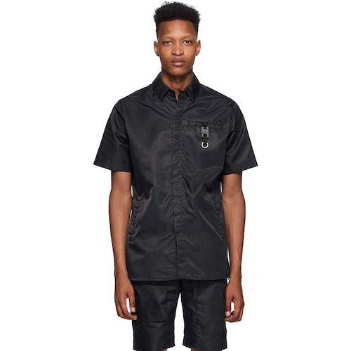黒バックル半袖シャツ