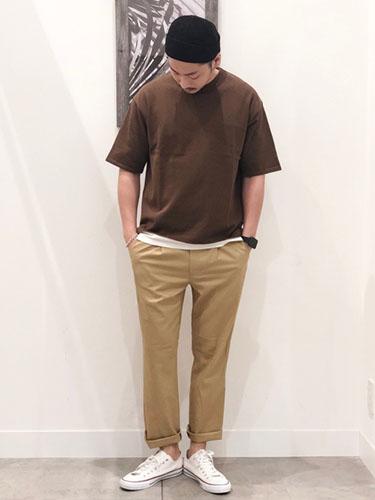 無地Tシャツ コーデ
