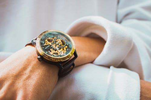 ゴールド 腕時計