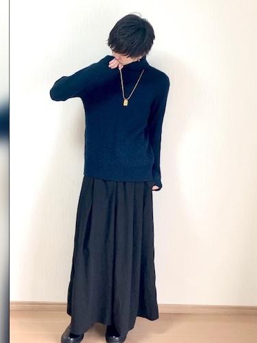 タートルネック×スカート