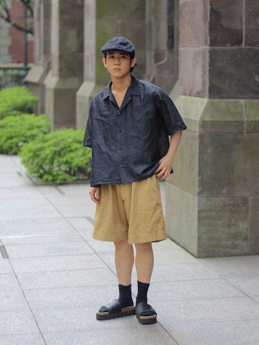 オープンカラーシャツ×ショートパンツ