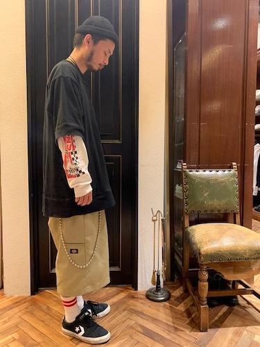 黒Tシャツ×ワイドショーツ